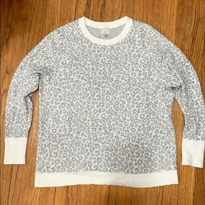a new day Tops - 🐾white & grey leopard print sweater🐾